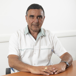 Dr. Paris Eduardo